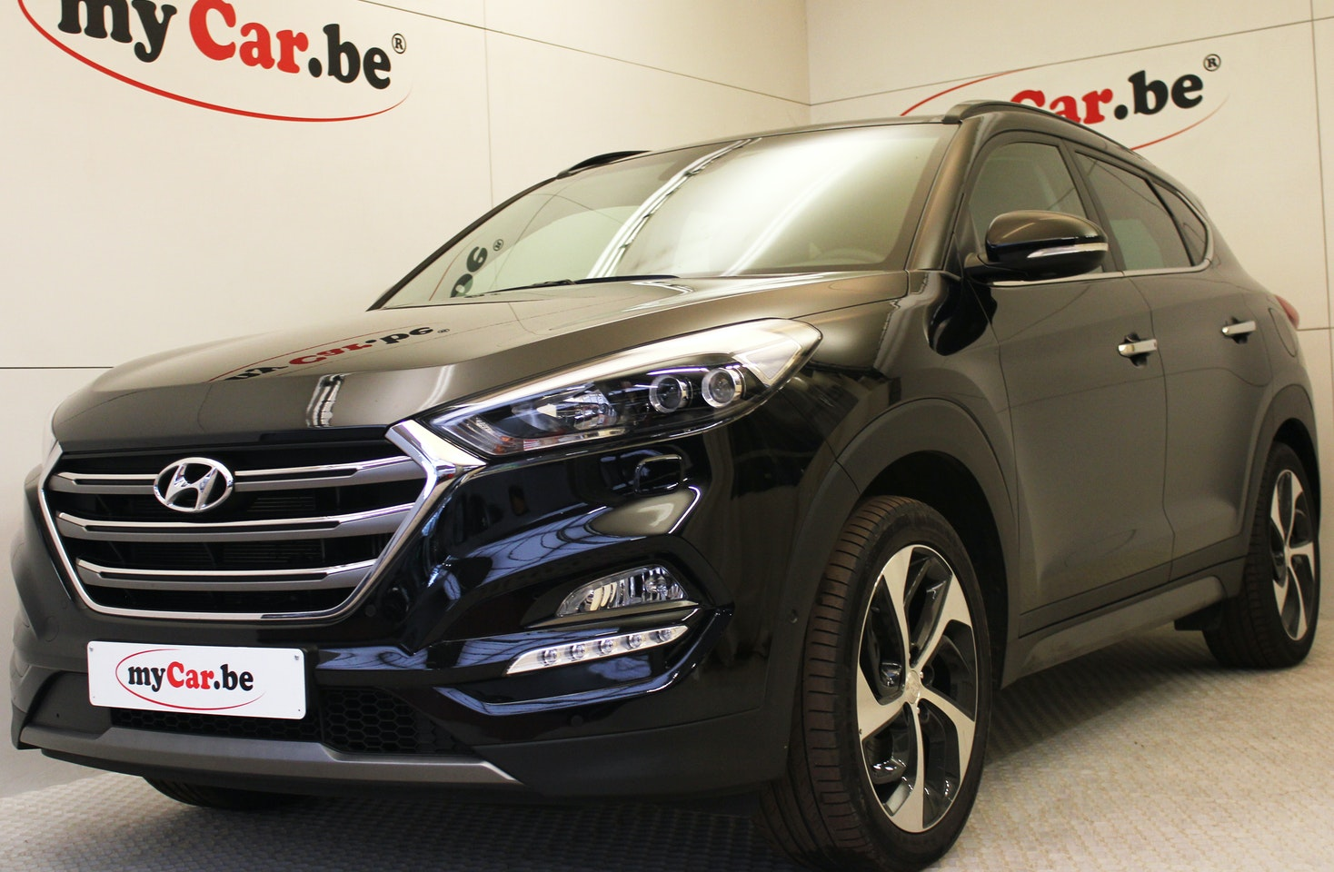 hyundai tucson executive turbo is d specialist in bijna nieuwe wagens. Black Bedroom Furniture Sets. Home Design Ideas